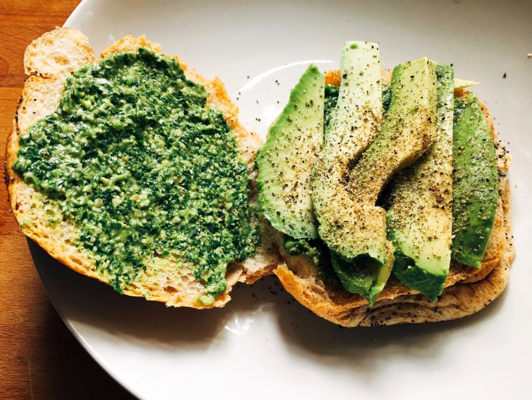 Pesto sandwich with avocado