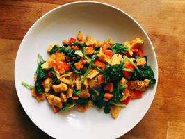 Chickpea scramble meal with spinach